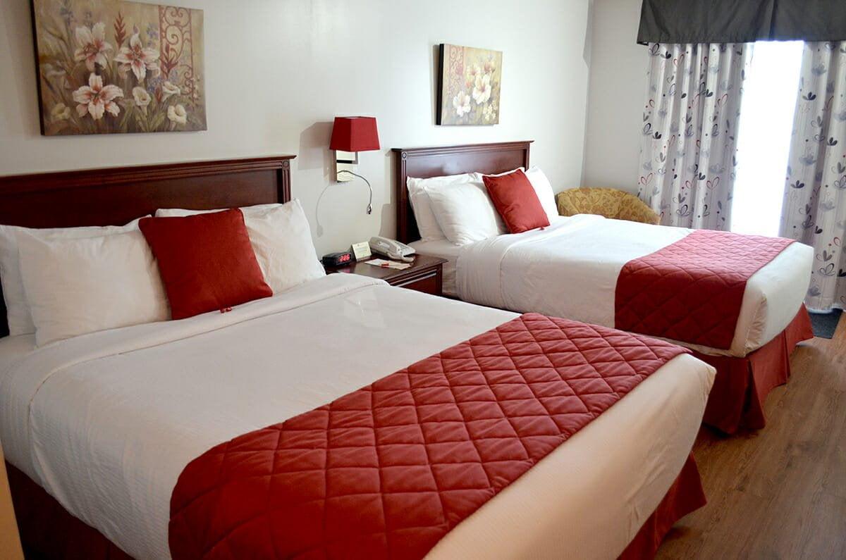 Standard-room-2-queen-beds-02