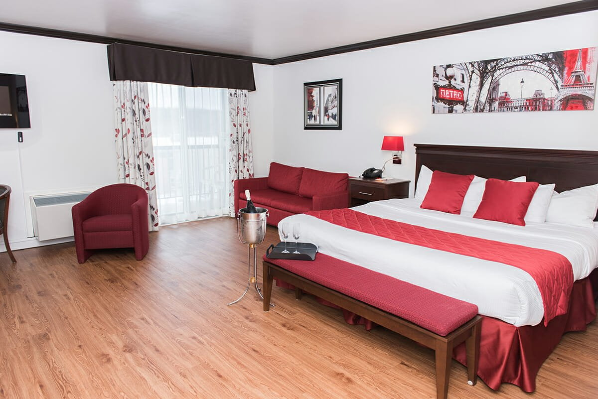 Superior-room-1-king-bed-double-sofa-bed-01