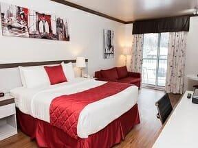 Chambre CONFORT, 1 lit Queen avec porte patio