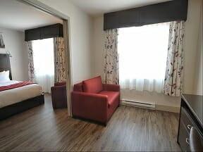 Chambre supérieure incluant 2 lits Queen et petit salon